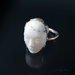 White Agate Glyptic Ring